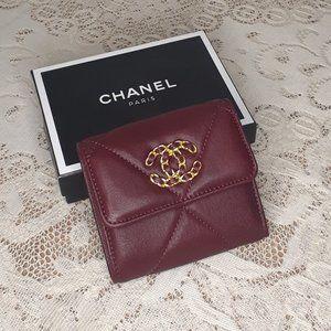 CHANEL - 19 SMALL FLAP WALLET Bordeaux